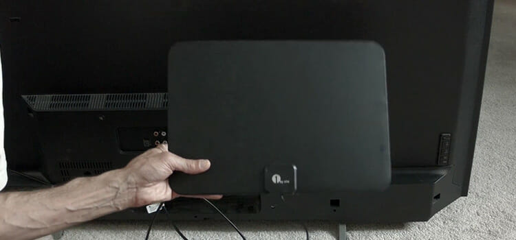 How to Hook up TV Antenna
