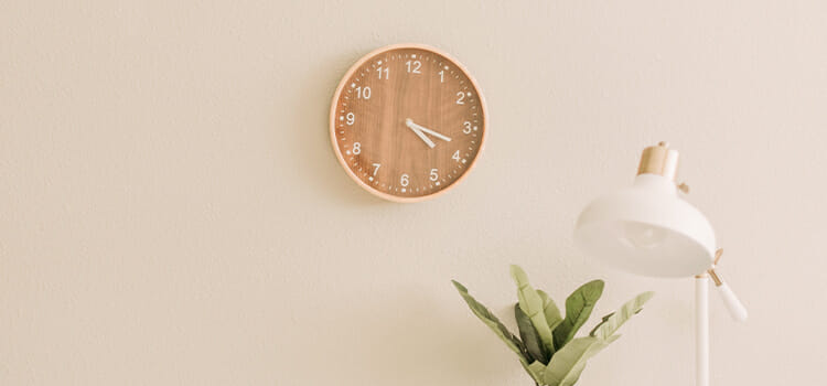 Top 7 Reasons to Get Stunning Wall Clocks for Your Living Room